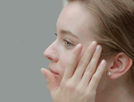 如何保持少女感,丽驻兰(曾译为丽珠兰)这份抗衰tips你值得拥有